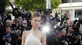 Americká topmodelka Bella Hadid v Cannes.