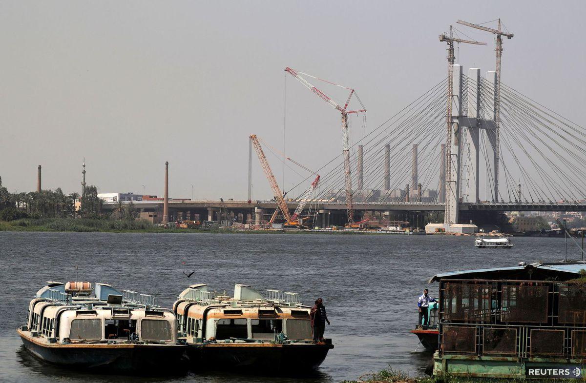 Káhira, Egypt, visutý most