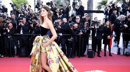 Topmodelka Isabeli Fontana prišla na filmovú premiéru v Cannes.