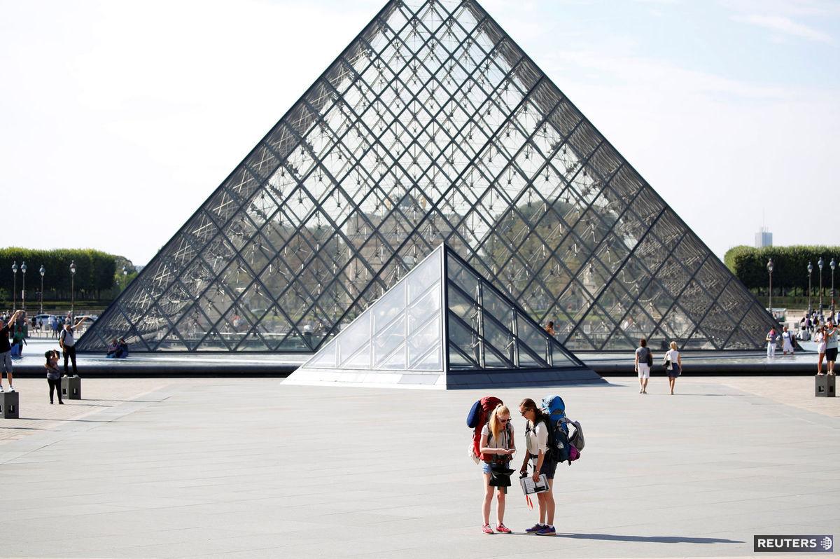 Ieoh Ming Pei Louvre