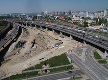 Kontúry novej križovatky diaľnic D1 a R7 v Bratislave. Pozrite si video