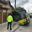 V Žiline havaroval autobus so 40 cestujúcimi, desiatky sa zranili