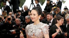 Herečka Zhang Ziyi v kreácii Givenchy Haute Couture.