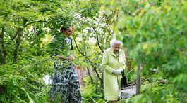 Kráľovná Alžbeta II. s vojvodkyňou Kate na návšteve výsatvy kvetín na Chelsea Flower Show.