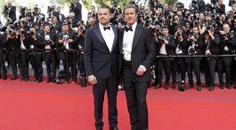 Herci Brad Pitt (vpravo) a Leonardo DiCaprio spoločne v Cannes.,