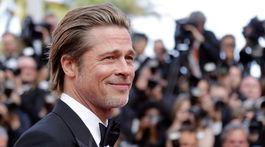 Herec Brad Pitt v Cannes.