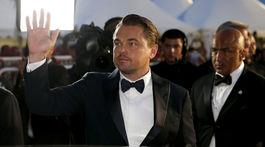 Herec Leonardo DiCaprio odchádza z premietania filmu Vtedy v Hollywoode.