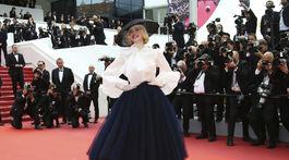 Herečka a členka poroty Elle Fanning v kreácii Christian Dior Haute Couture.