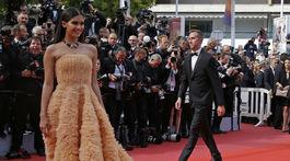 Portugalská topmodelka Sara Sampaio v kreácii Georges Hobeika Haute Couture.,