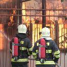 Škodu po požiari budovy pri bratislavskom Poluse odhadol majiteľ na 200-tisíc eur