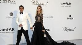 Herec Antonio Banderas a jeho partnerka Nicole Kimpel prišli spoločne.