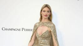 Modelka Martha Hunt nechýbala na benefícii amfAR v Cannes.