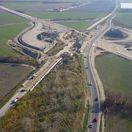 Križovatka dvoch nových diaľnic pri Bratislave. Pozrite si ako sa pretne D4 s R7