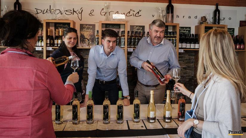 vino, malokarpatska vinna cesta, pezinok zamok