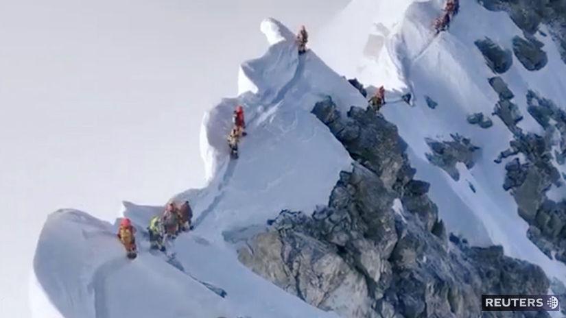 everest, horolezci, himaláje