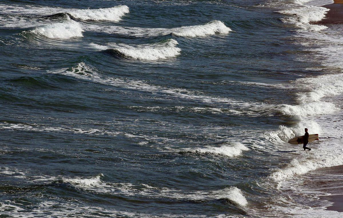 Francúzsko, surfer, more, vlny, Atlantik