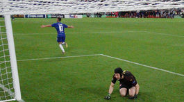 Eden Hazard, Petr Čech