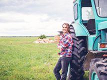 žena, farmárka, traktor
