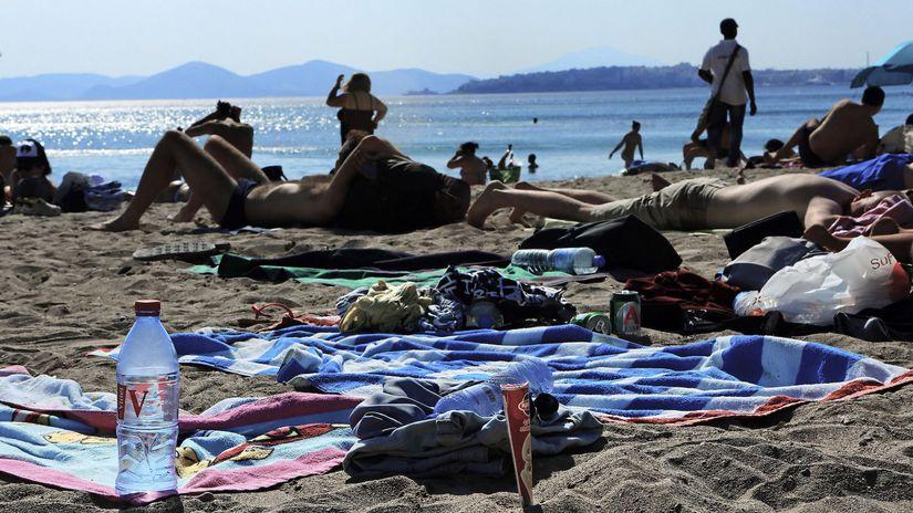 Greece:plastics garbage in m Mediterranean Sea/...
