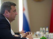 SNS odmieta návrh SaS o zrušení prednosti slovenčiny