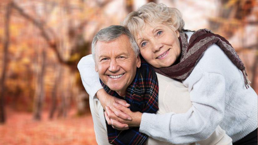 senior, príroda, vychádzka, výlet, manželia