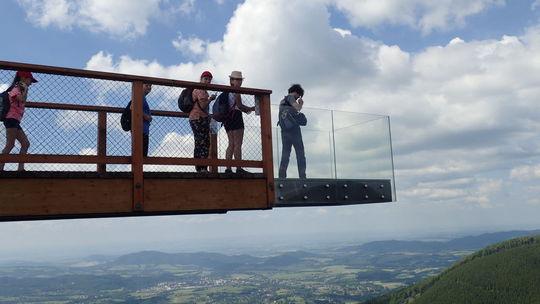 Postavte sa na najvyššie položený sklenený 'skywalk' v Európe! Je na Morave