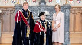 Britská kráľovná Alžbeta II. s holandským kráľom Willemom-Alexandrom a jeho manželkou Maximou.