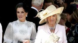 Španielska kráľovná Letizia (vľavo) a Camilla, vojvodkyňa z Cornwallu.