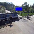 Dráma na železničnom priecestí a záchrana motocyklistu ako v akčnom filme