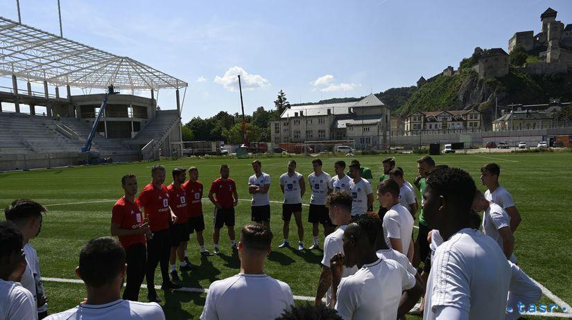 SR Futbal FL Trenčín príprava štart TNX
