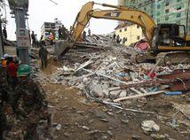 Kambodža / zrútenie budovy /