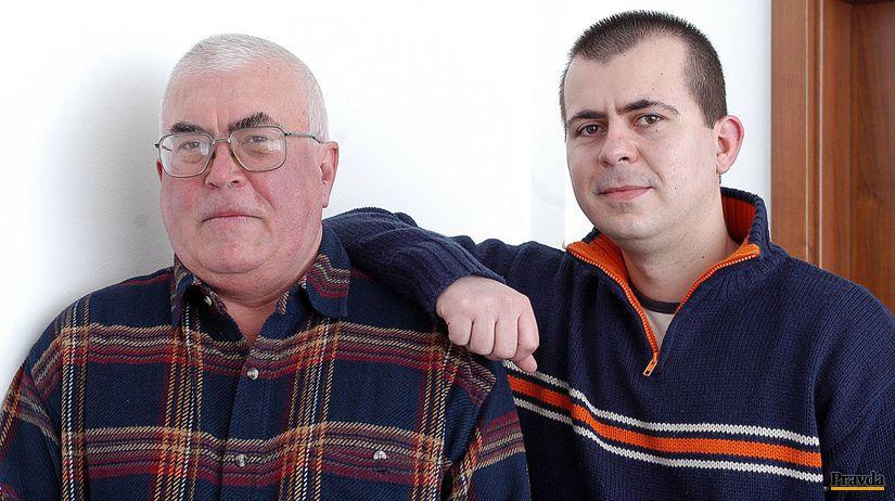 Spisovateľ Peter Glocko (vľavo) so synom Petrom...