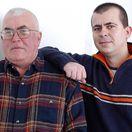 Spisovateľ Peter Glocko (vľavo) so synom Petrom na snímke z roku 2005.