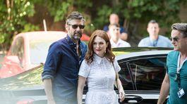 Herečka Julianne Moore a jej manžel Bart Freundlich priniesli do Karlových Varov film Po svadbe.