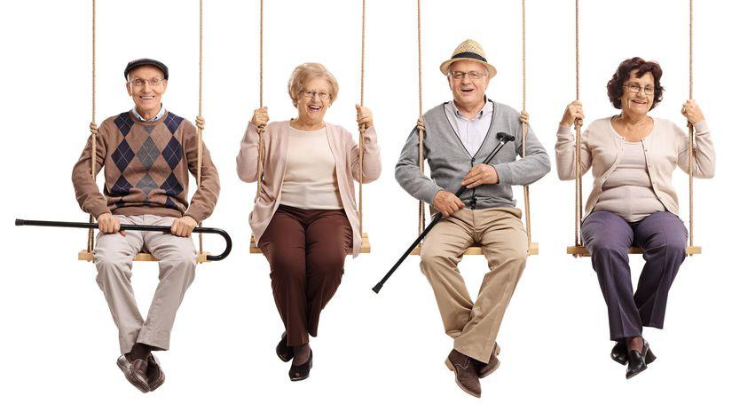 seniori, dôchodcovia, hojdačka