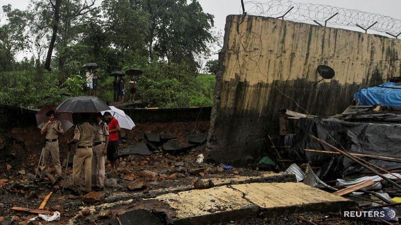 india, záplavy, múr