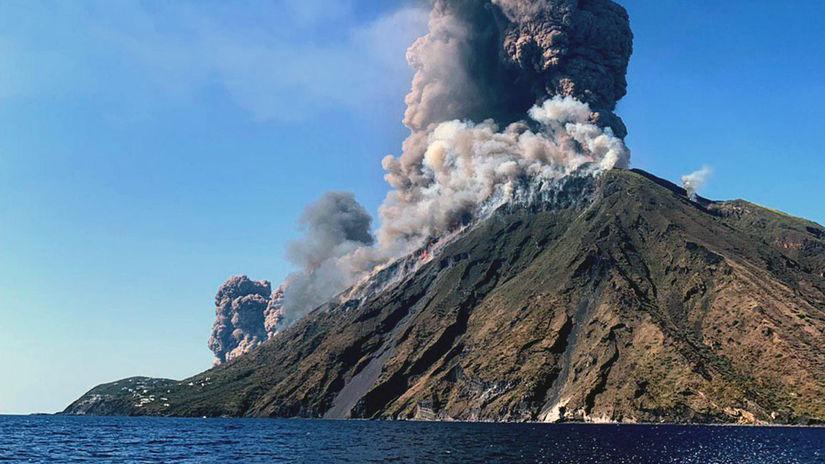 Стромболи италия извержение вулкана