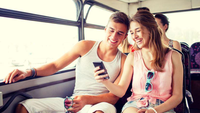 cestovanie, dovolenka, cesta, autobus, dvojica,...