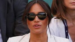 Vojvodkyňa Meghan zo Sussexu na tenisovom zápase vo Wimbledone.