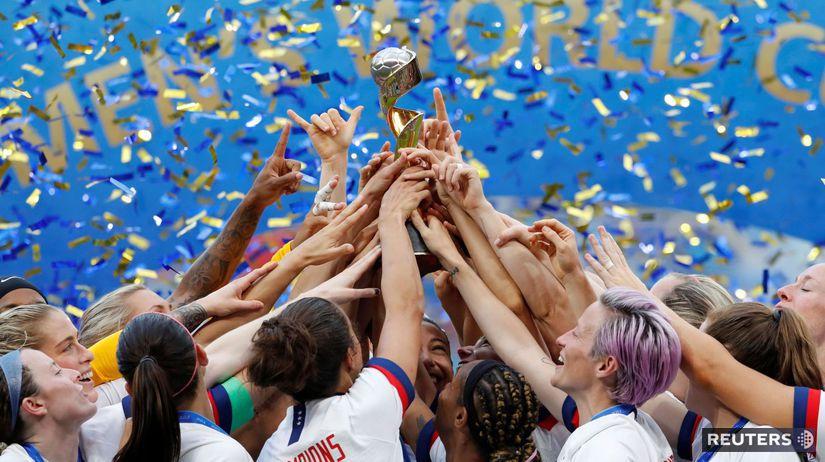 USA, futbalistky, trofej