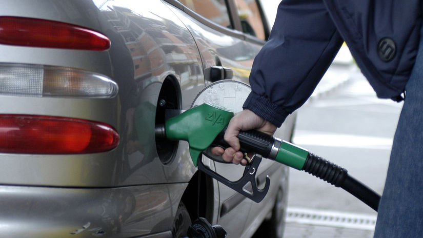 benzín / tankovanie /