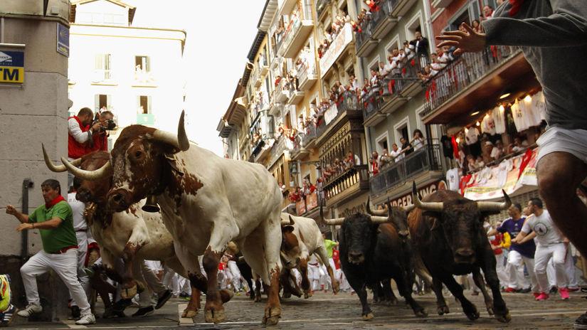 Španielsko / Pamplona / beh býkov /