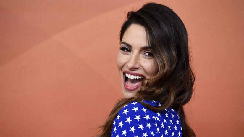 Herečka Sarah Shahi na archívnom zábere.