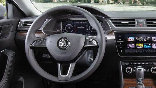Škoda má problém s airbagmi. Zvolá  3 367 áut