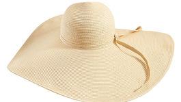 Slamený klobúk Mohito, predáva sa za 14,99 eura.