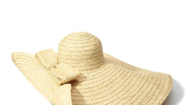 Slamený klobúk Reserved, predáva sa za 39,99 eura.