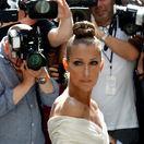 Speváčka Celine Dion počas nedávnych prehliadok Haute Couture v Paríži.