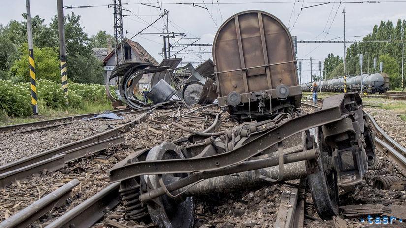 Vykoľajený nákladný vlak, Trnovec nad Váhom