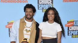 Hráč amerického futbalu Russell Wilson, jeho manželka Ciara a ich dve deti Future Zahir Wilburn a Sienna Princess Wilson.