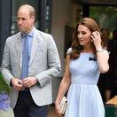 Princ William a Catherine, vojvodkyňa z Cambridge prichádzajú na finále mužskej dvojhry vo Wimbledone.